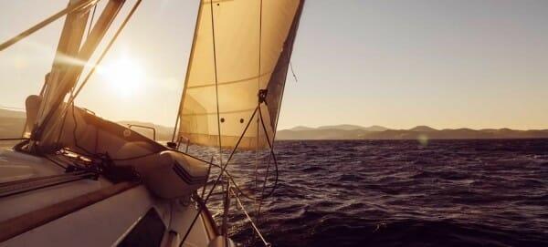 sailing-bg