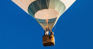 Sales kick-off time: hot air balloon photo by Gaetano Cessati on Unsplash